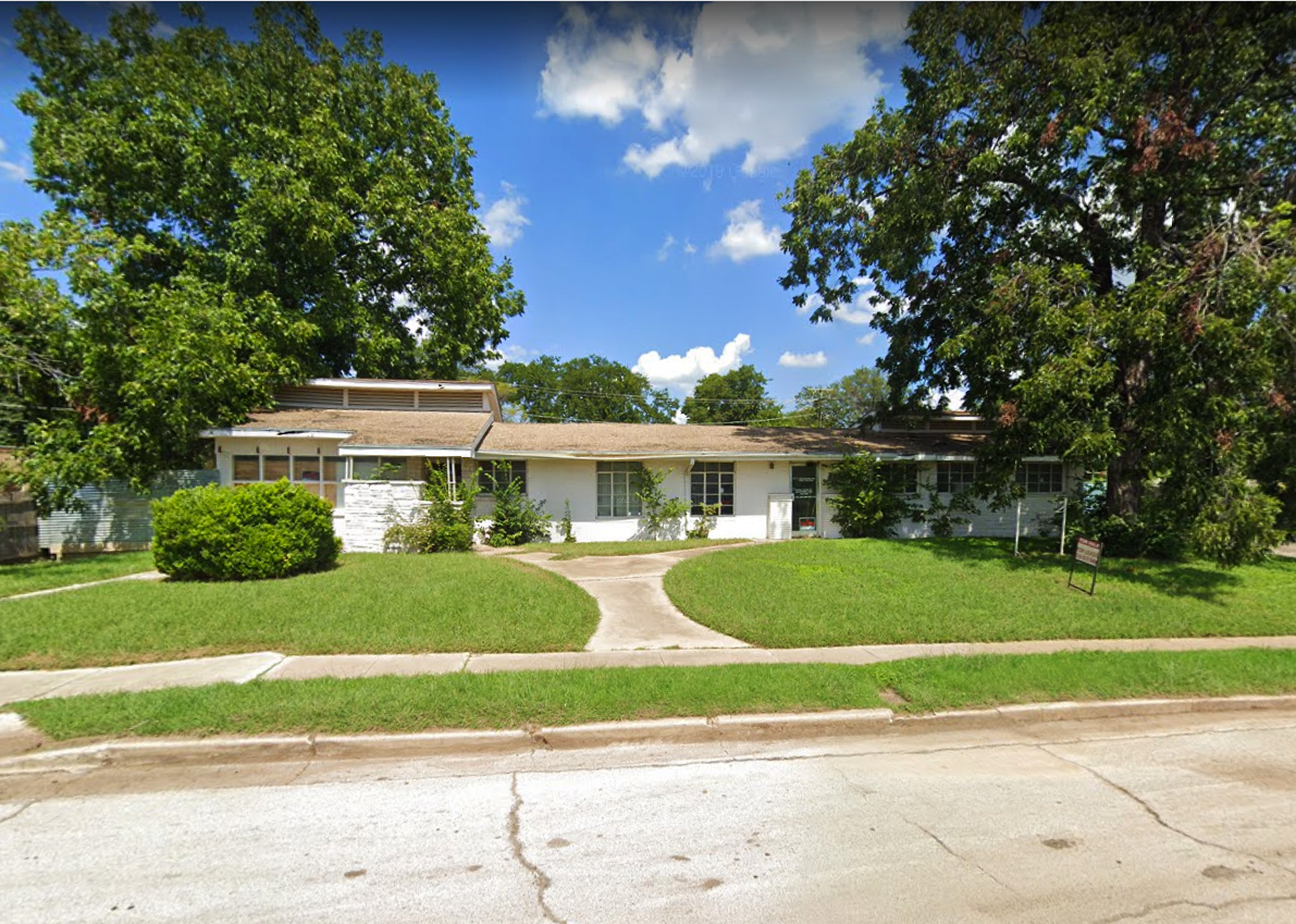 Property: 3427 E Lancaster Ave