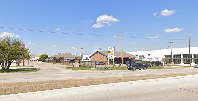 Property: 2470-2474 W Pioneer Pky